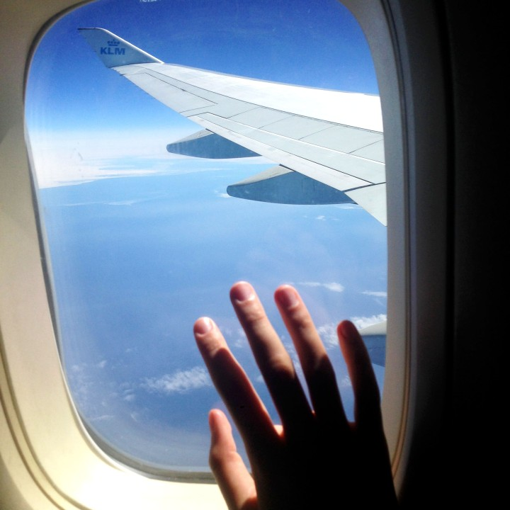 10 tips to survive a long-distance flight