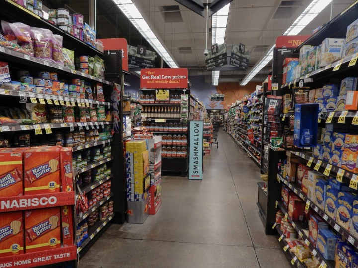 usa_supermarket_inside