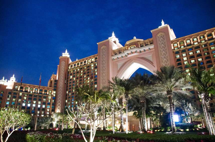 The Palm Jumeirah Dubai Atlantis Hotel at night