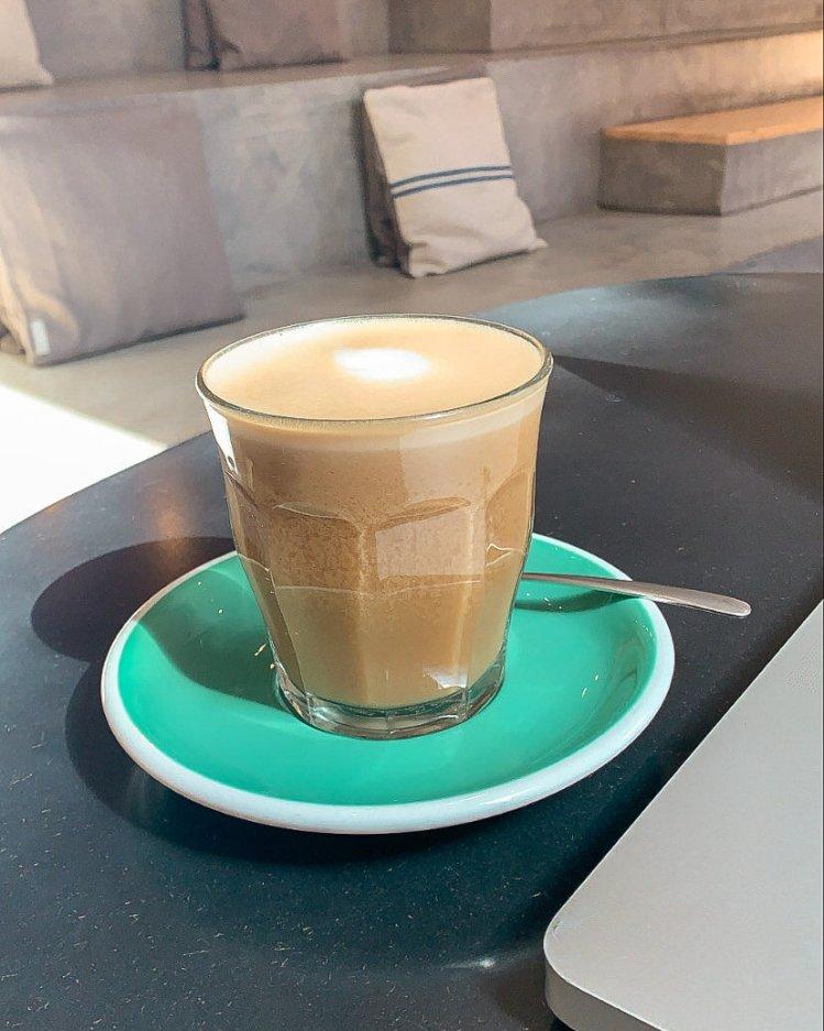 bohl-barcelona-vegan-cappuccino