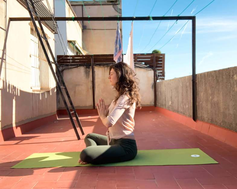 yoga-rooftop-meditation-lotuscrafts